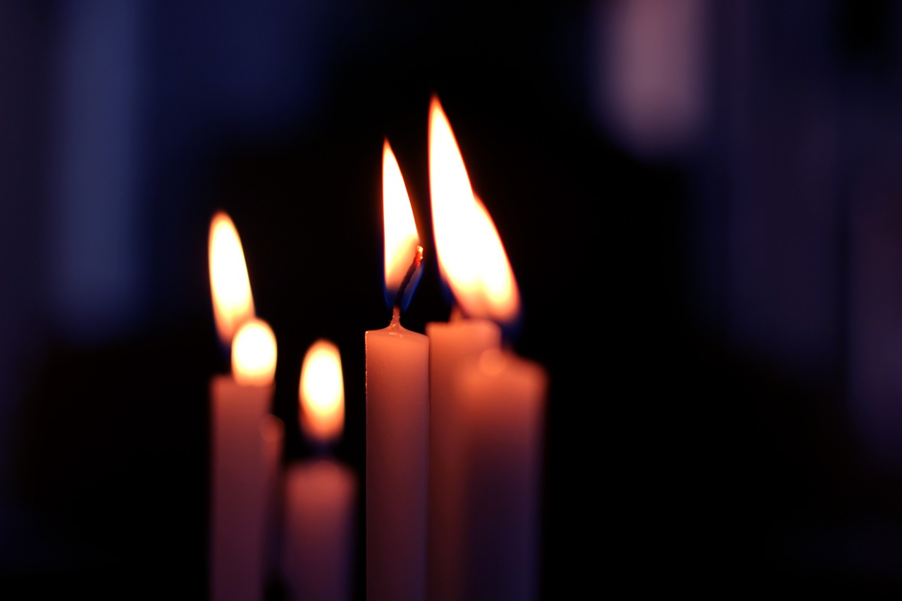candle-225036_1280